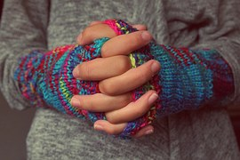 folded-hands-987629__180